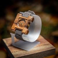 Dřevěné hodinky Hercule Poirot Ořech - V.Č.: 00143