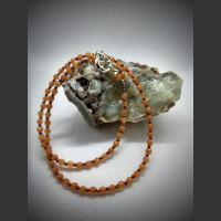 4. Náhrdelník Karneol a Swarovski krystaly 45 cm.