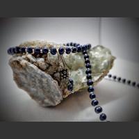 92. Sada perlová, modrá říční perla, korálky.