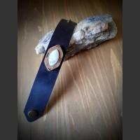 217. Náramek Měsíční kámen, Kůže, Ořechové dřevo