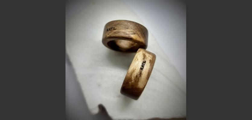 197. Prsten z Ořechu