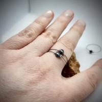 84. Prsten šedá říční perla.