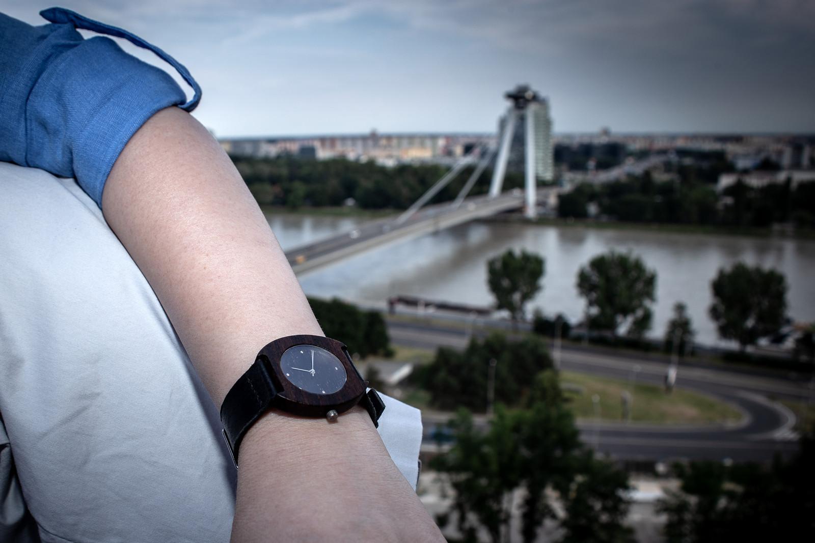 """Dřevěné hodinky, model """"Avia"""""""