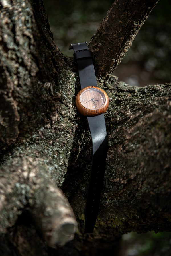 """Dřevěné hodinky, model """"Jas"""". Materiál třešeň."""