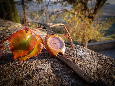 """Dřevěné hodinky, model """"Rio"""". Vyrobeno z třešně."""
