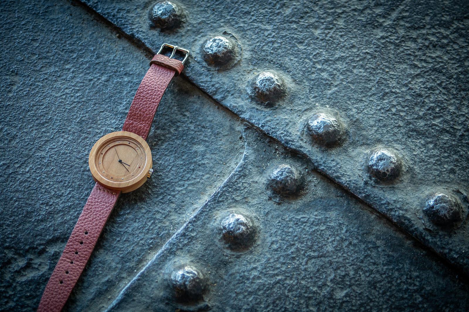 """Dřevěné hodinky, model """"Excelsior"""". Vyrobeno z třešně."""