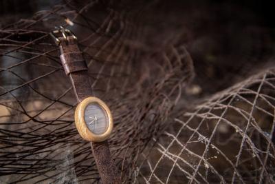 """Dřevěné hodinky model """"Empire"""" - Akát"""