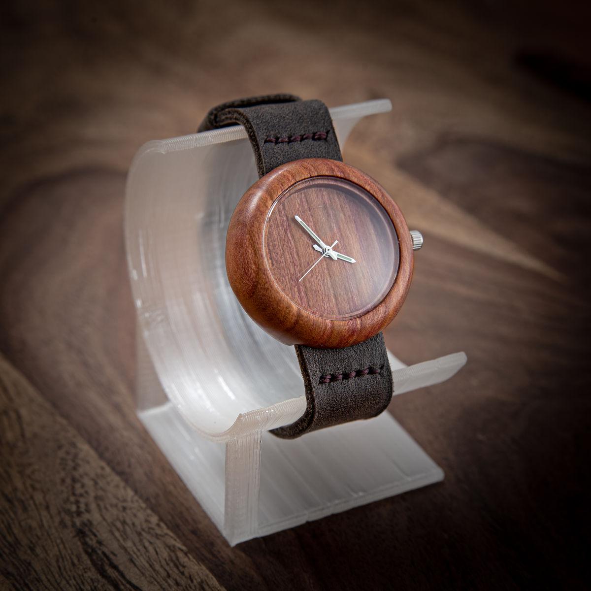 """Dřevěné hodinky, model """"Jas"""", Vyrobeno z blumy."""