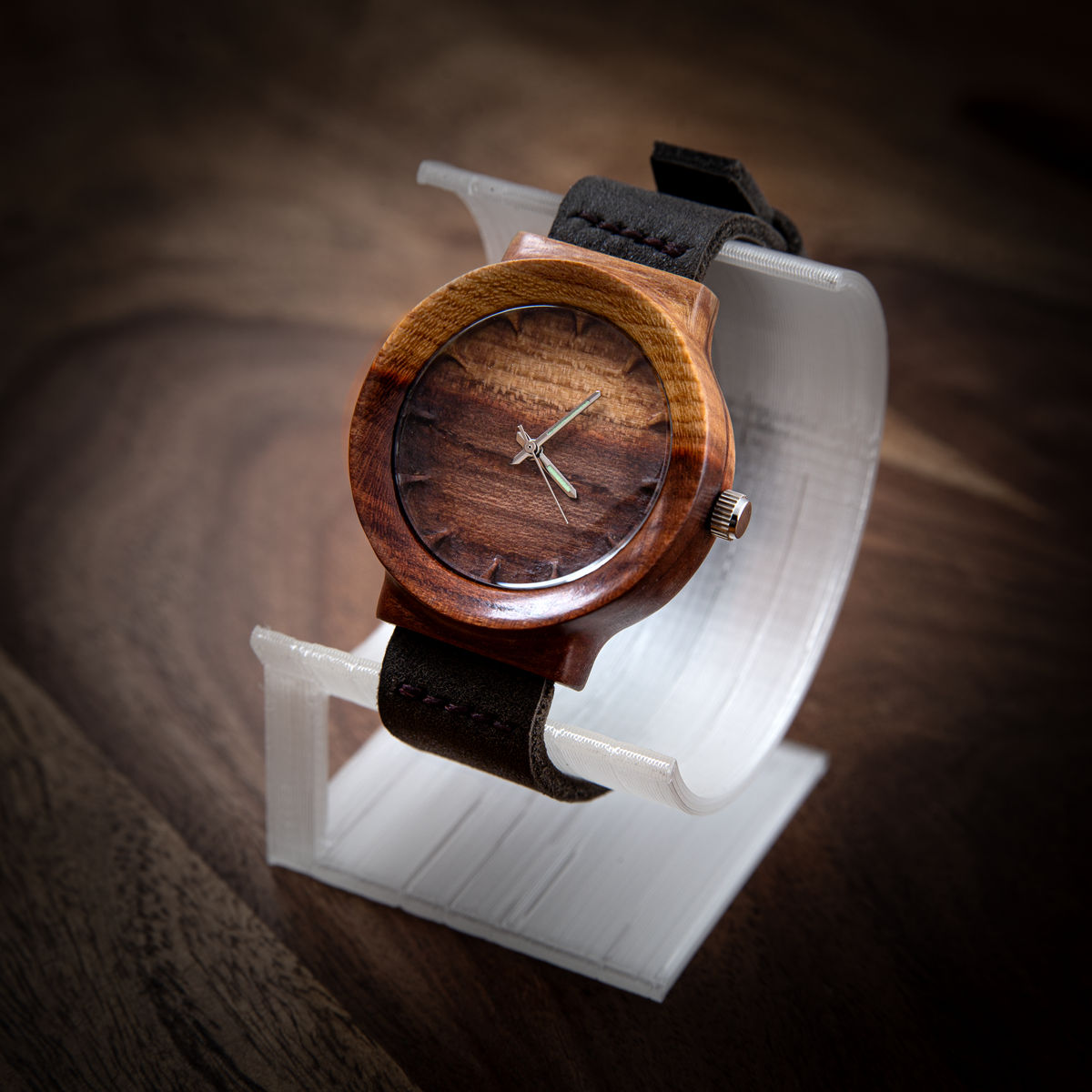 """Dřevěné hodinky, model """"Scala"""". Vyrobeno ze švestky."""